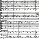 No exemplo musical 1, oito primeiros compassos da peça, podemos ver em vermelho a flauta um e o corne inglês, em verde a flauta dois e o segundo trompete, em amarelo o clarinete dois e primeiro e segundo fagotes, em azul terceiro fagote e segunda trompa e em preto violas e contrabaixos, os outros instrumentos fazem pausa nestes compassos. Observe como os ataques se intercalam provocando a mudança de timbres com a mesma configuração de notas.